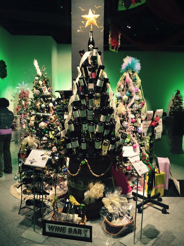 art center 2015 tree